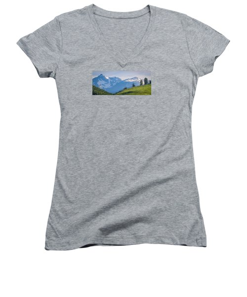 #238 - Spanish Peaks, Southwest Montana Women's V-Neck T-Shirt