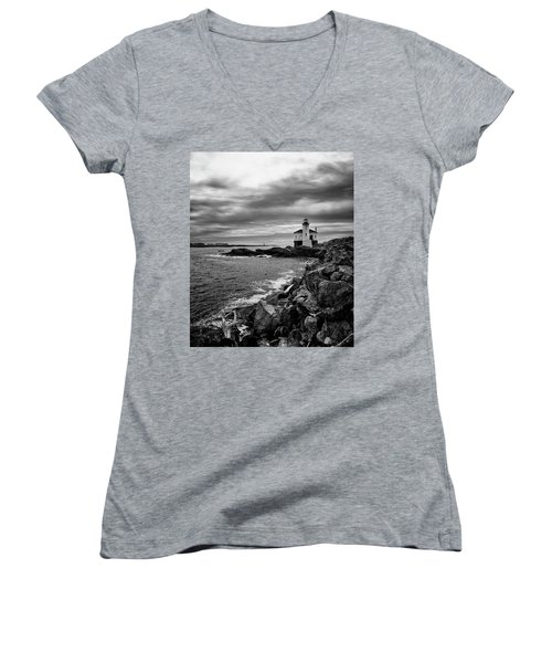 Coquille Lighthouse Women's V-Neck