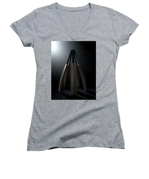 Cricket Back Circle Dramatic Women's V-Neck T-Shirt