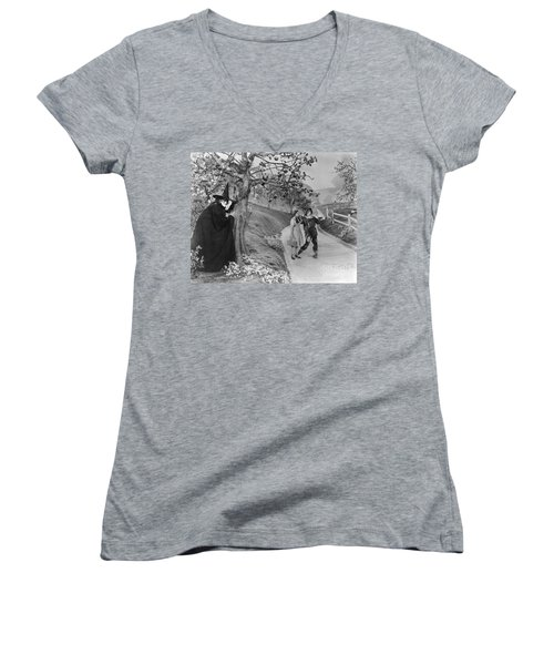 Wizard Of Oz, 1939 Women's V-Neck T-Shirt