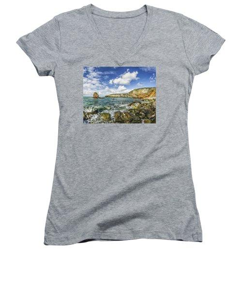 Gwenfaens Pillar Women's V-Neck T-Shirt