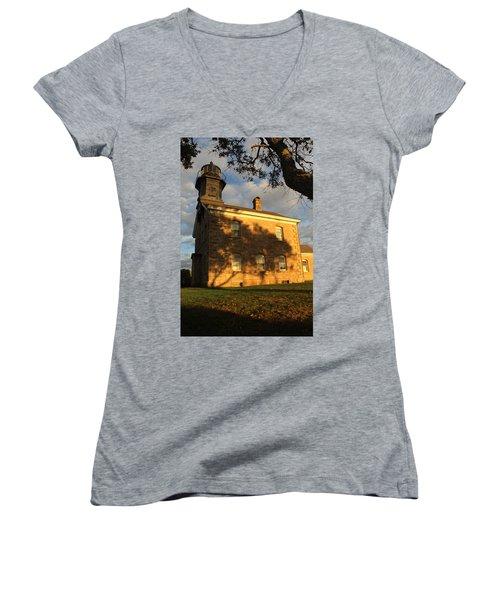 Lighthouse Old Field Point New York Women's V-Neck T-Shirt