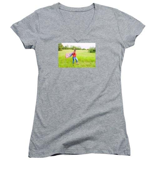 5640-2 Women's V-Neck T-Shirt