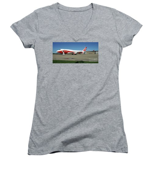 747 Supertanker Women's V-Neck (Athletic Fit)