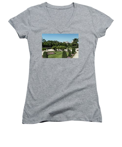 Colorfull El Retiro Park Women's V-Neck T-Shirt