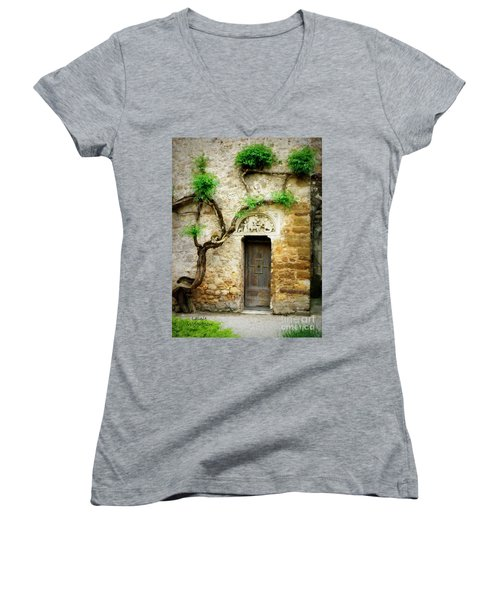 A Door In The Cloister Women's V-Neck T-Shirt