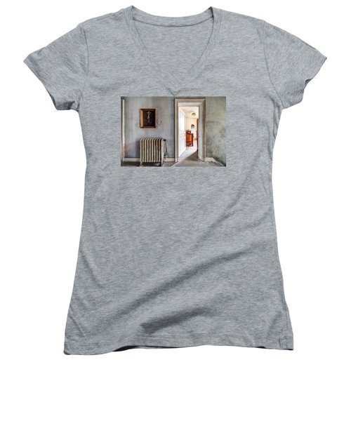 abandoned Jesus - urban exploration Women's V-Neck T-Shirt