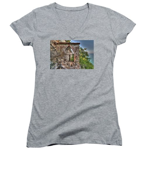 Abandoned Places Iron Gate Over The Sea - Cancellata Sul Mare Women's V-Neck (Athletic Fit)
