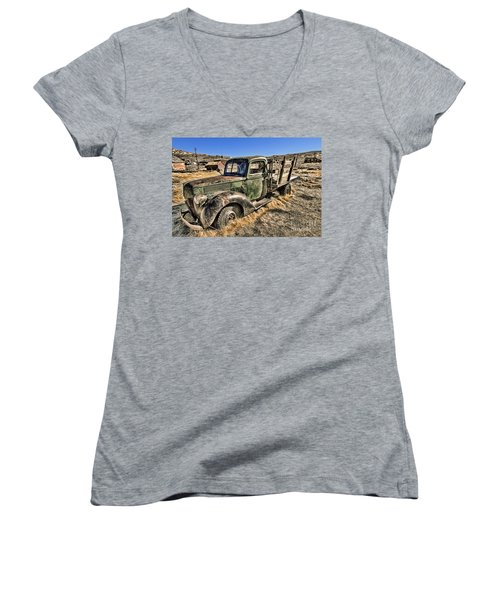 Abandoned Truck Women's V-Neck (Athletic Fit)