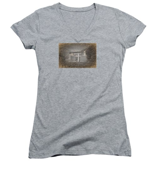 Abiquiu Nm Church Ruin Women's V-Neck T-Shirt