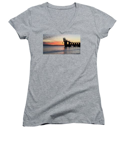 After Sunse Blackrock 3 Women's V-Neck