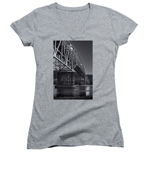 Agassiz-rosedale Bridge Women's V-Neck T-Shirt