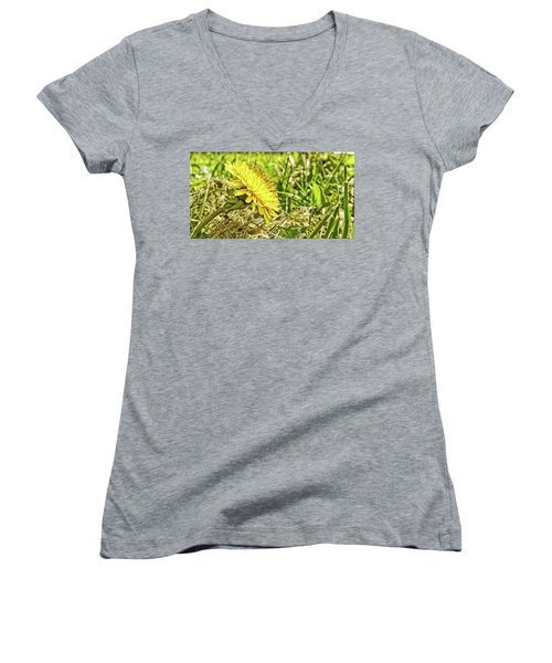 Women's V-Neck featuring the photograph Aim High by Robert Knight