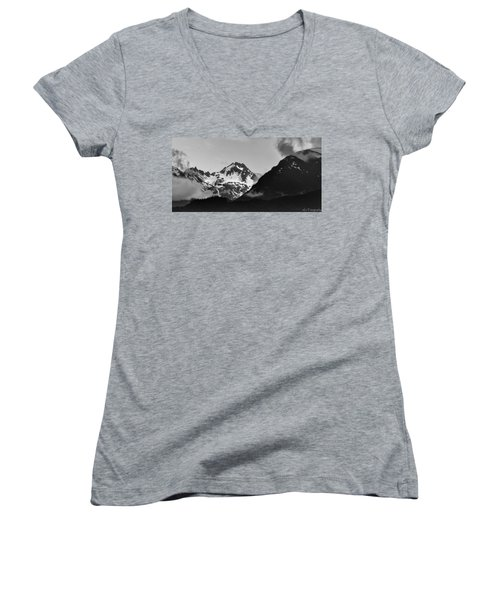 Alaskan Mountain Range Women's V-Neck (Athletic Fit)