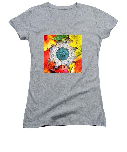 Alma College Seal Women's V-Neck T-Shirt