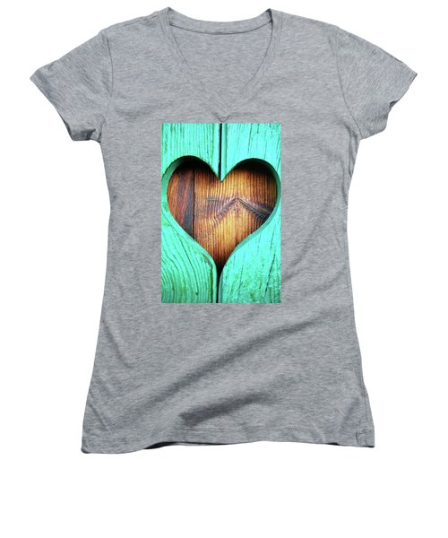 Amor ... Women's V-Neck T-Shirt