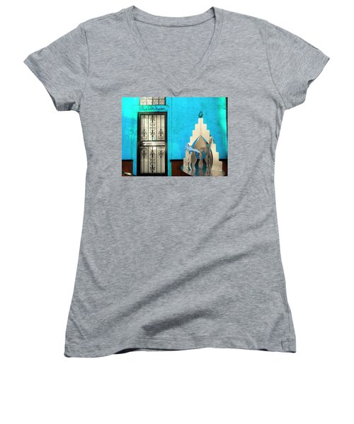 An Artsy House In Brooklyn New York  Women's V-Neck T-Shirt (Junior Cut) by Funkpix Photo Hunter