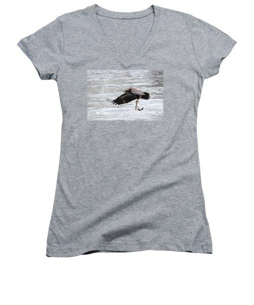 An Eagles Catch 10 Women's V-Neck T-Shirt