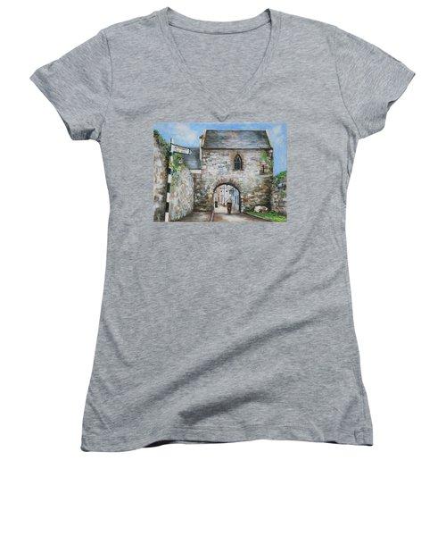 An Tholsel Women's V-Neck T-Shirt
