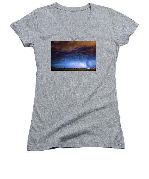 Another Impressive Nebraska Night Thunderstorm 008/ Women's V-Neck