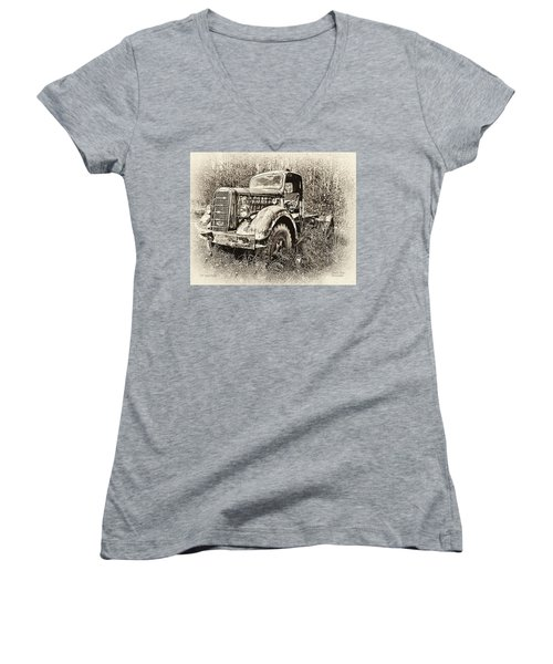 Antique 1947 Mack Truck Women's V-Neck
