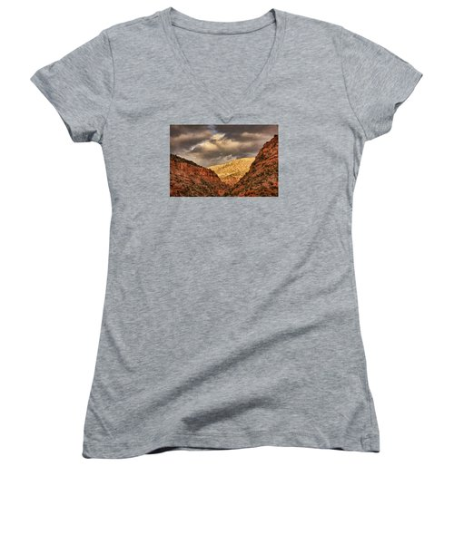 Antique Train Ride Txt Women's V-Neck