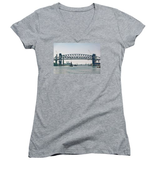 Women's V-Neck T-Shirt (Junior Cut) featuring the photograph Arthur Kill The Four Tugs by Steven Richman