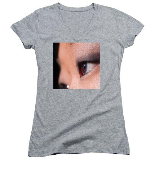 Asian Girl Eyes 1283053 Women's V-Neck