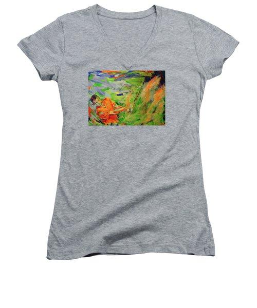 Aus Dem Bunker Spielen   Bunker Shot Women's V-Neck T-Shirt (Junior Cut) by Koro Arandia