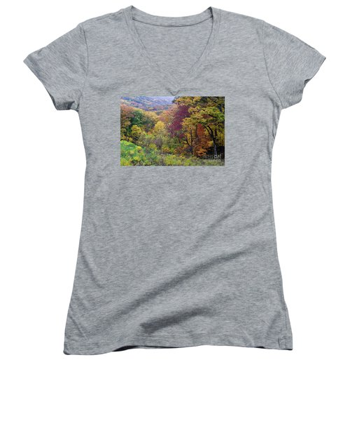 Women's V-Neck T-Shirt (Junior Cut) featuring the photograph Autumn Arrives In Brown County - D010020 by Daniel Dempster