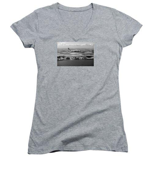 Avro Vulcan Over The White Cliffs Of Dover Black And White Versi Women's V-Neck