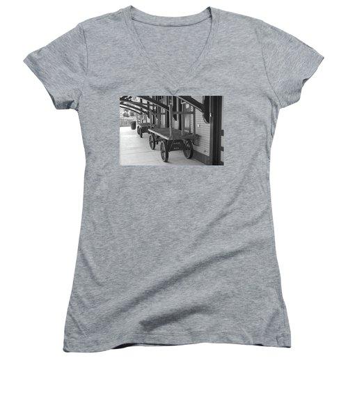 Baggage Carts Bw Women's V-Neck T-Shirt
