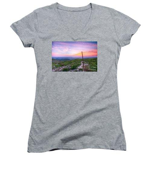 Bakersfield Hills  Women's V-Neck T-Shirt