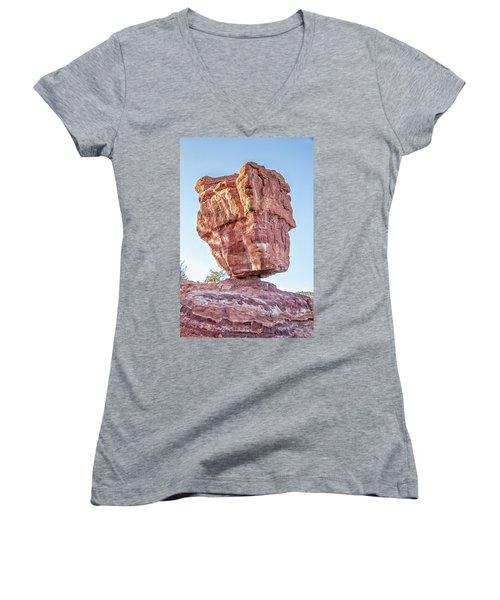 Balanced Rock In Garden Of The Gods, Colorado Springs Women's V-Neck T-Shirt