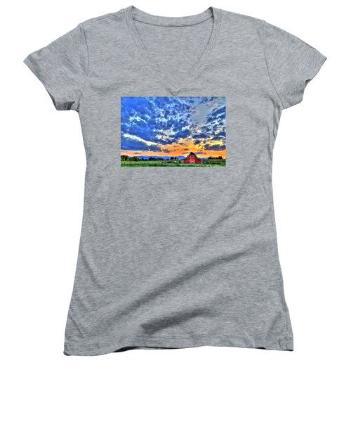 Barn And Sky Women's V-Neck T-Shirt