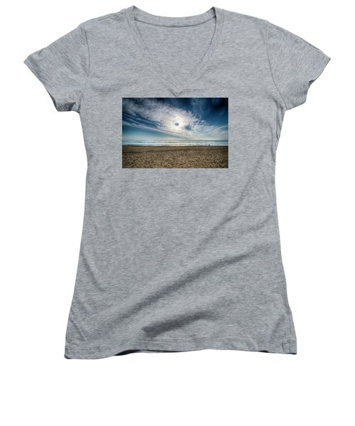 Beach Sand With Clouds - Spiagggia Di Sabbia Con Nuvole Women's V-Neck (Athletic Fit)