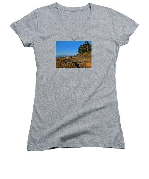 Beach Scene, Berry Point, Gabriola, Bc Women's V-Neck T-Shirt (Junior Cut) by Anne Havard