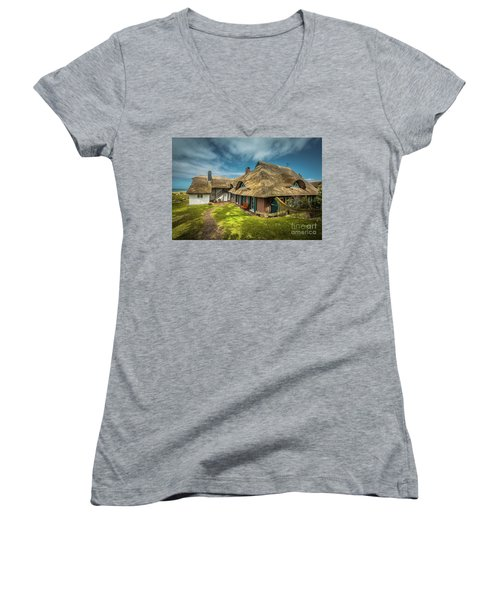 Beautiful Cottage Women's V-Neck
