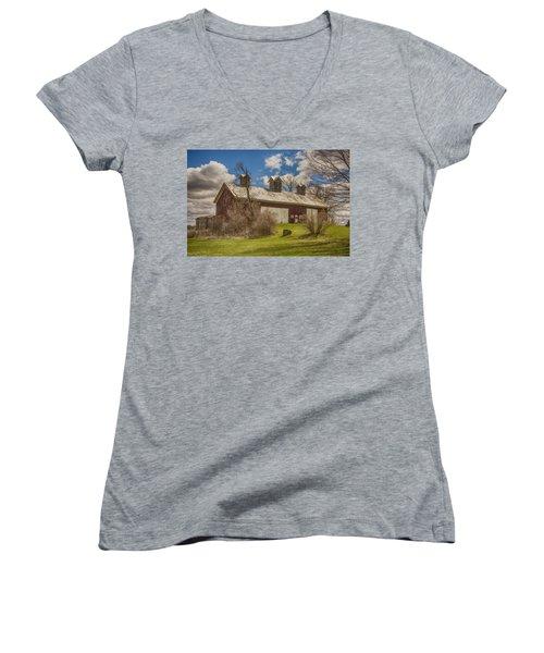Beautiful Old Barn Women's V-Neck T-Shirt