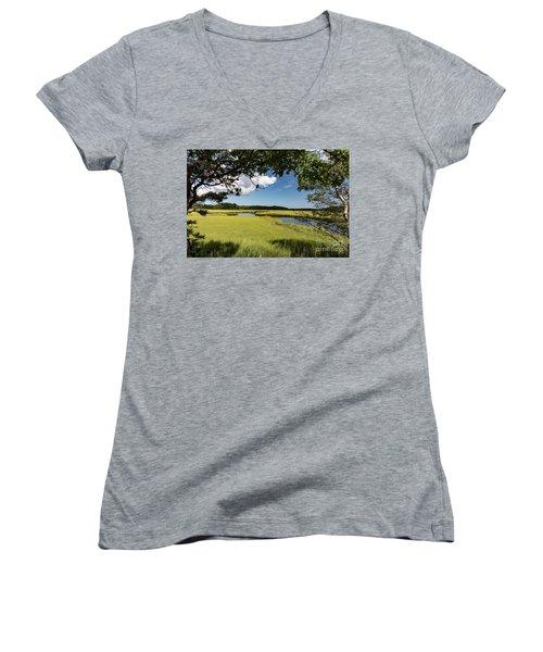 Bells Neck Road Women's V-Neck T-Shirt