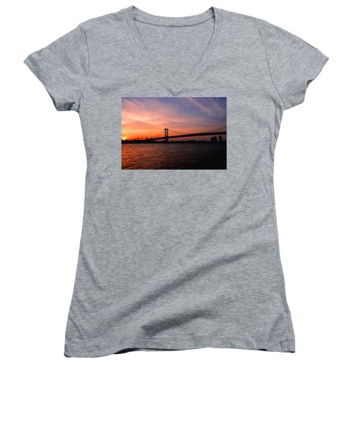 Ben Franklin Bridge Sunset Women's V-Neck (Athletic Fit)
