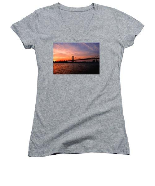 Ben Franklin Bridge Sunset Women's V-Neck T-Shirt