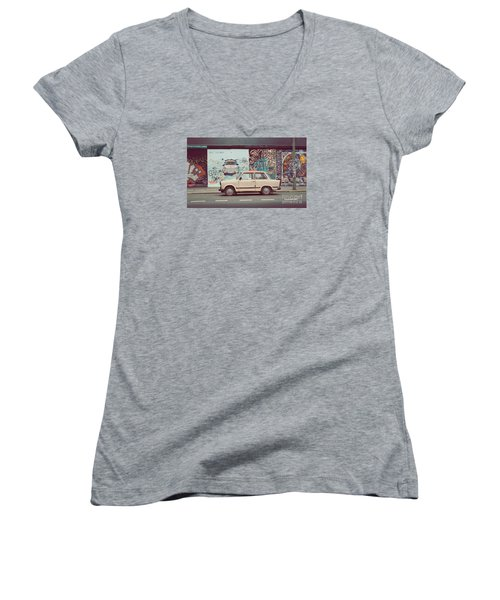 Berlin East Side Gallery Women's V-Neck T-Shirt
