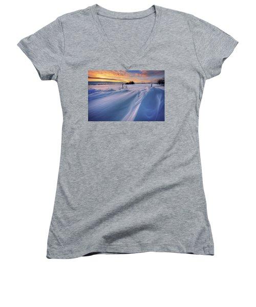 Big Drifts Women's V-Neck T-Shirt