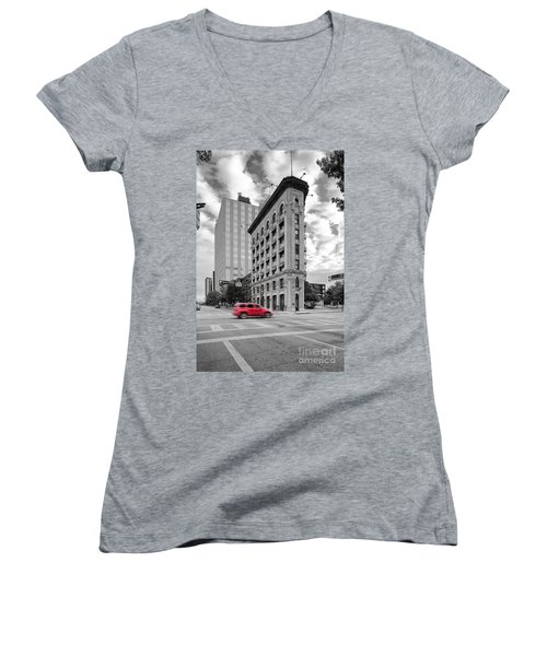 Black And White Photograph Of The Flatiron Building In Downtown Fort Worth - Texas Women's V-Neck