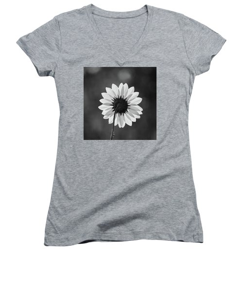 Black-eyed Susan - Black And White Women's V-Neck
