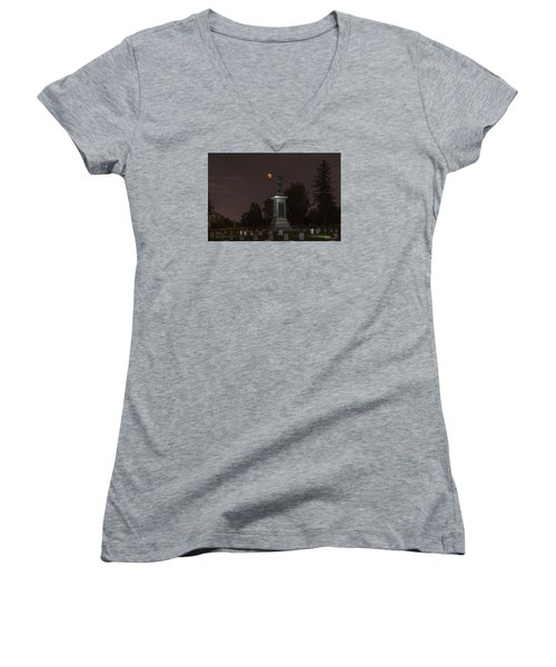 Blood Moon At The Colorado Volunteers Memorial Women's V-Neck T-Shirt (Junior Cut) by Stephen  Johnson