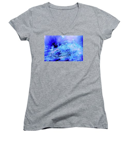 Blue Digital Artwork With Dots And Stripes And Sandstone Finish Women's V-Neck