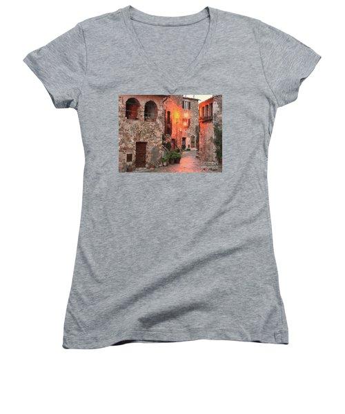 Borgo Medievale Women's V-Neck