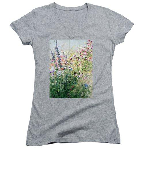 Born To Be Wild.i Women's V-Neck T-Shirt